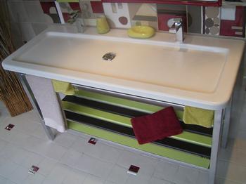 Vasque de salle de bains en lave émaillée gravée dans la masse